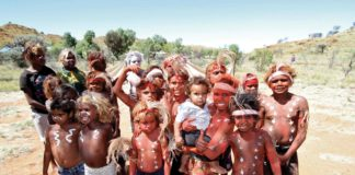 ABORIGINAL CHILDREN CEREMONY WELCOME OCHRE PAINT