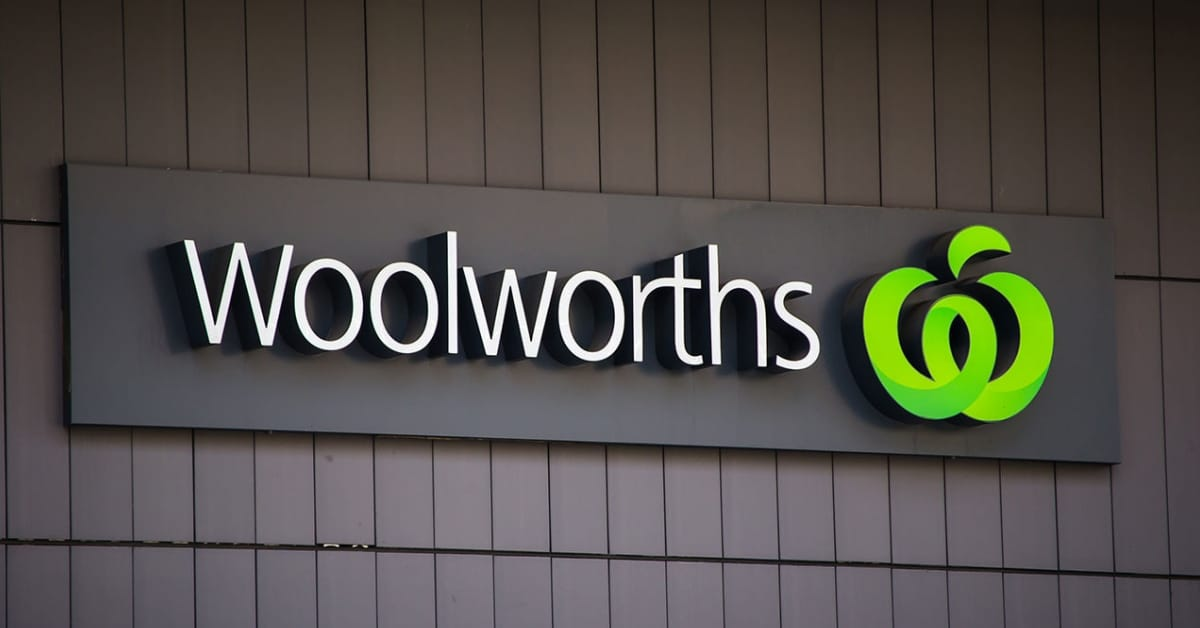 woolworths townsville racism security guards aboriginal